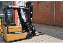 CATERPILLAR FP16 3W ELECTRIC FORKLIFT